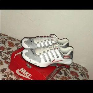 Nike Shox NZ White Red Platinum Silver